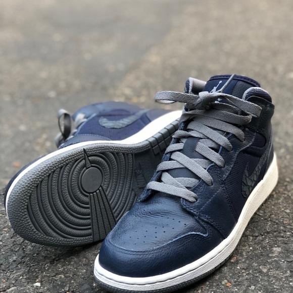 Jordan Shoes Nike Air 1 Y Size 55 W Size 7 Poshmark